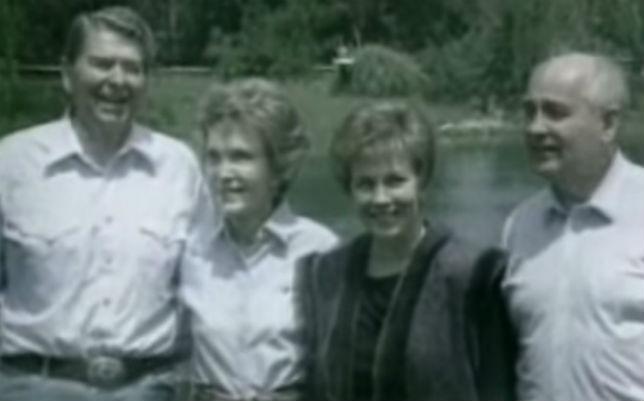 Горбачев и Рейган (фото)