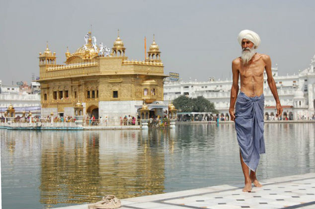 Golden-Temple-in-Amritsar-India-660x438