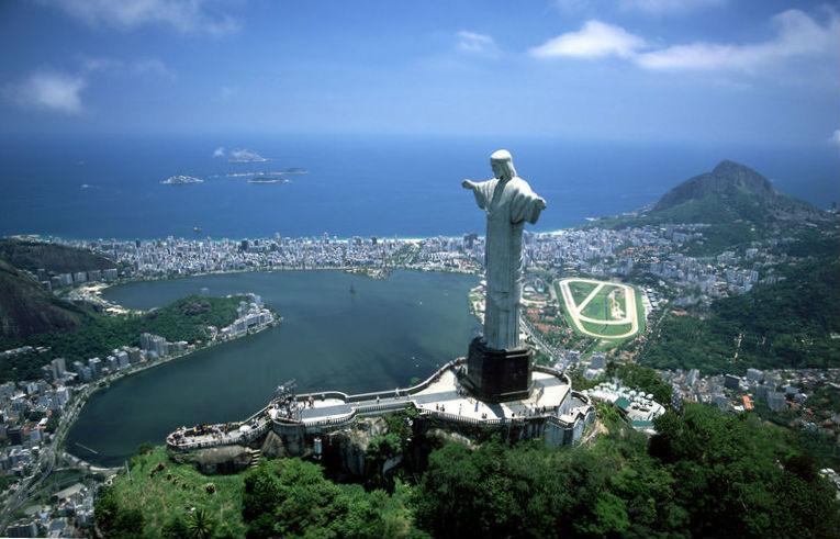 Ir-Rio-Corcovado-Cristo-abrazando_NACIMA20130420_0104_3